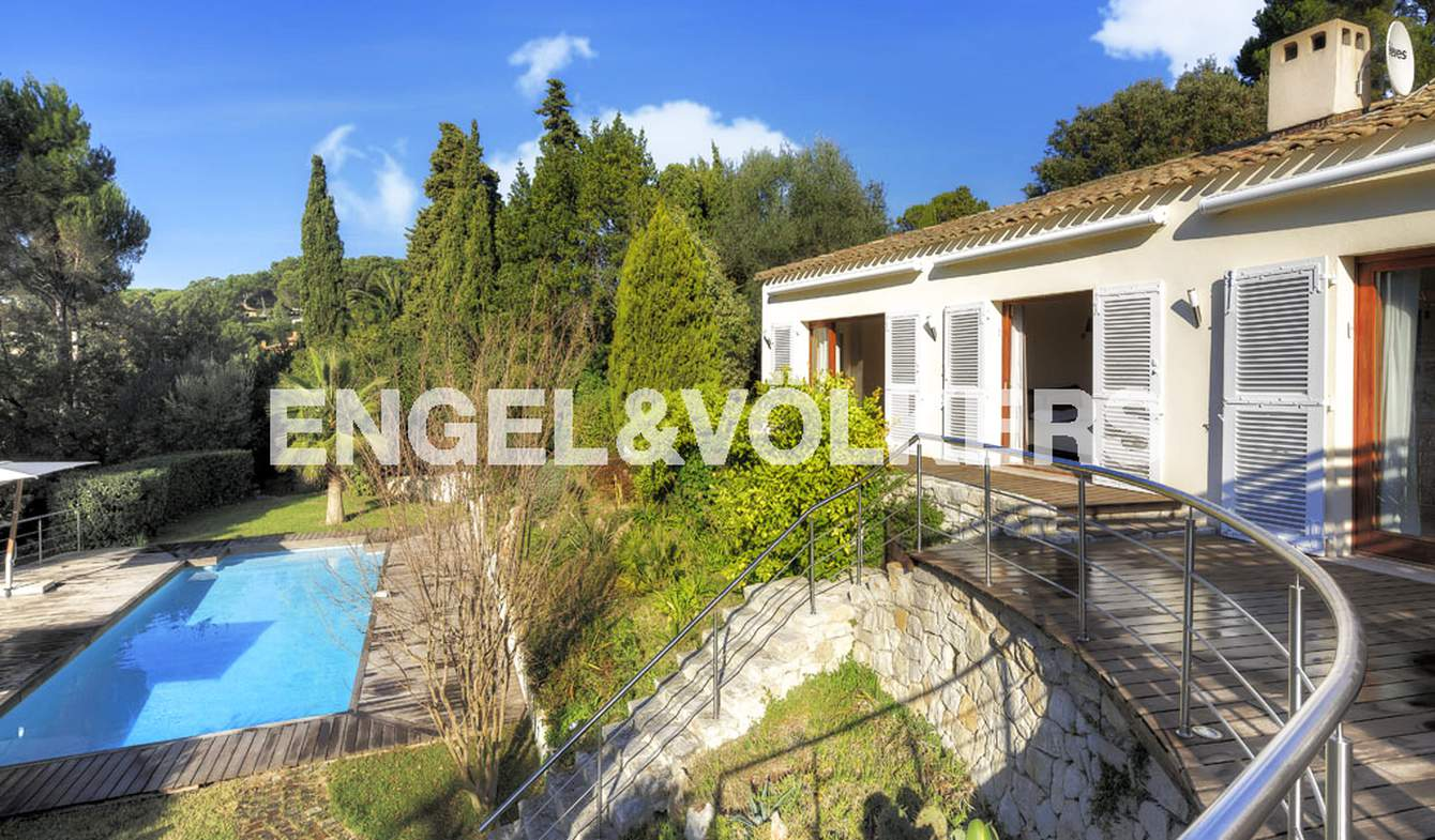 House with pool and terrace Vallauris