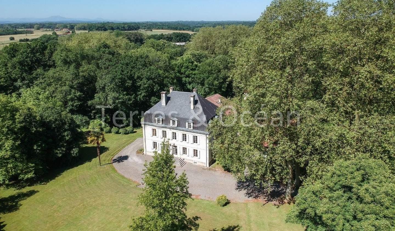 Property with pool Bayonne
