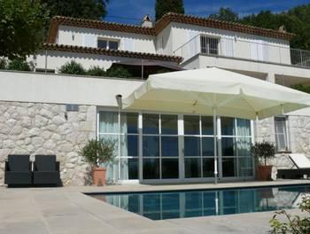 Villa 8 pièces 335,5 m2