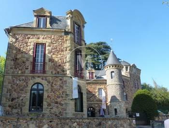 Château 24 pièces 600 m2