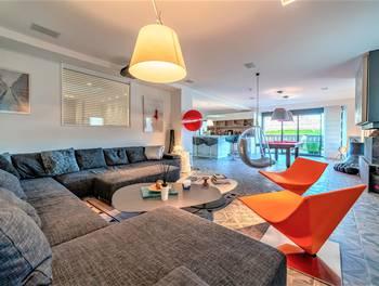 Maison 4 pièces 205 m2