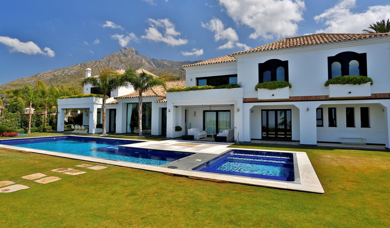 Villa avec piscine en bord de mer Marbella