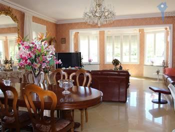 Maison 6 pièces 253 m2
