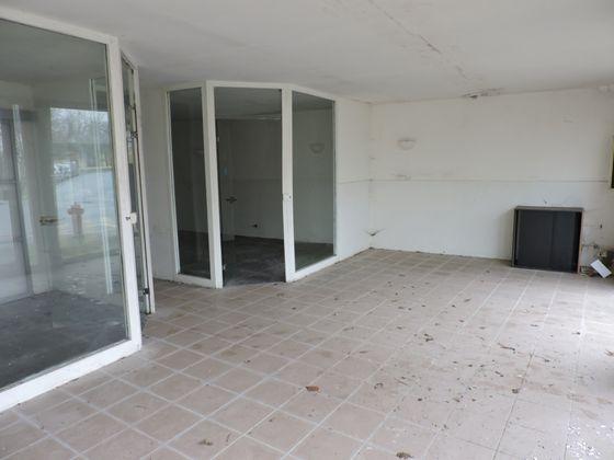 Vente divers 3 pièces 93 m2