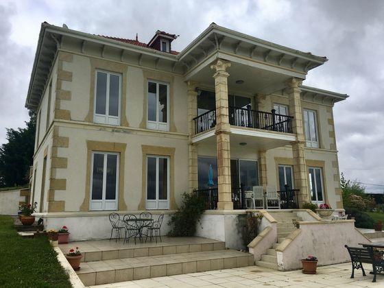 Vente villa 10 pièces 240 m2