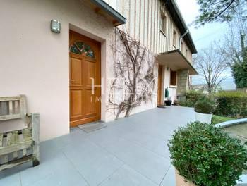 Maison 8 pièces 133 m2