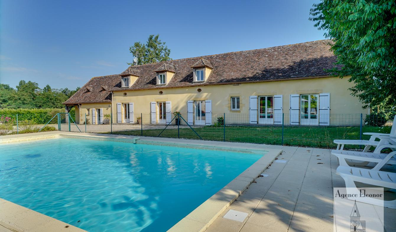 House with pool Bergerac