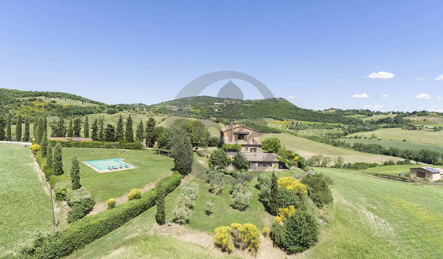 Farm house with garden and pool Montepulciano