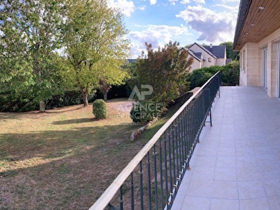 Location maison 9 pièces 350 m2