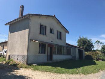 maison à Saint-Saud-Lacoussière (24)