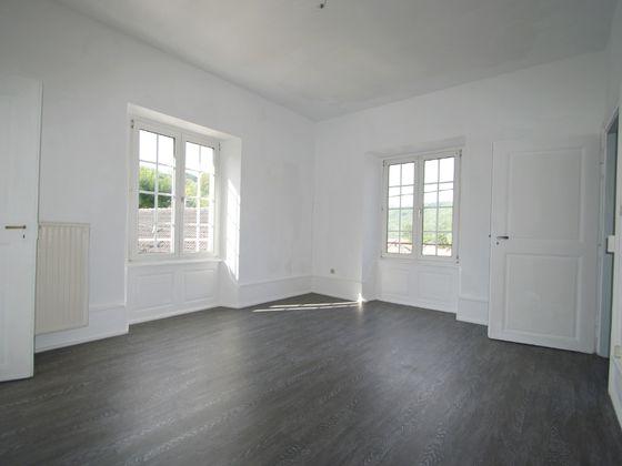 Location appartement 3 pièces 95,17 m2