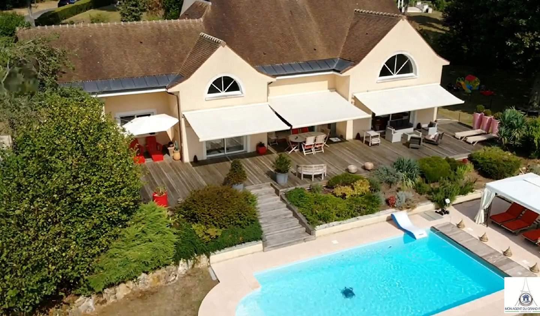 Maison avec piscine et terrasse Janvry