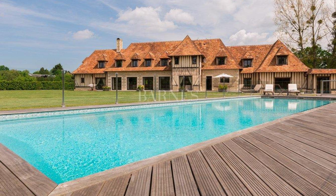 House with pool Deauville