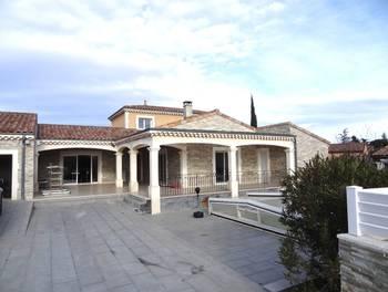 Villa 9 pièces 227 m2