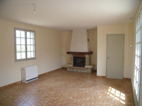 Location maison 3 pièces 86 m2