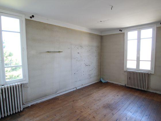Vente divers 12 pièces 250 m2