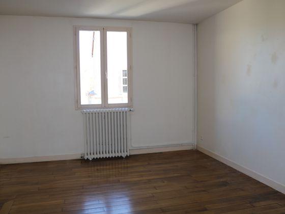Location maison 6 pièces 151 m2