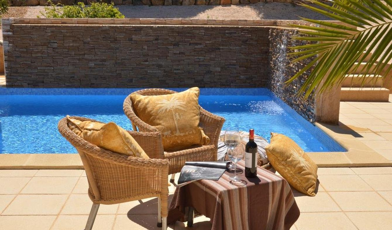 House with pool and garden Lagos