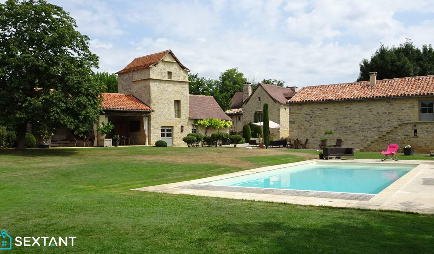 House with pool and terrace Caylus