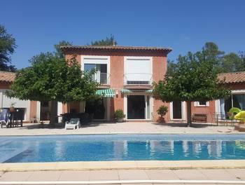 Villa 6 pièces 258 m2