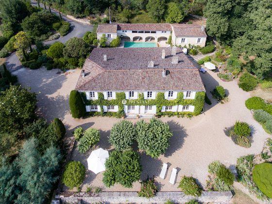vente Maison 10 pièces 800 m2 Bordeaux