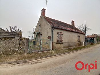 maison à Augy-sur-Aubois (18)