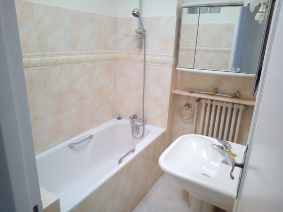 Location appartement 2 pièces 63,38 m2