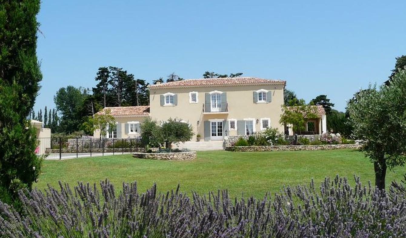 Maison avec piscine et jardin Aureille
