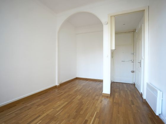 Location studio 23,35 m2