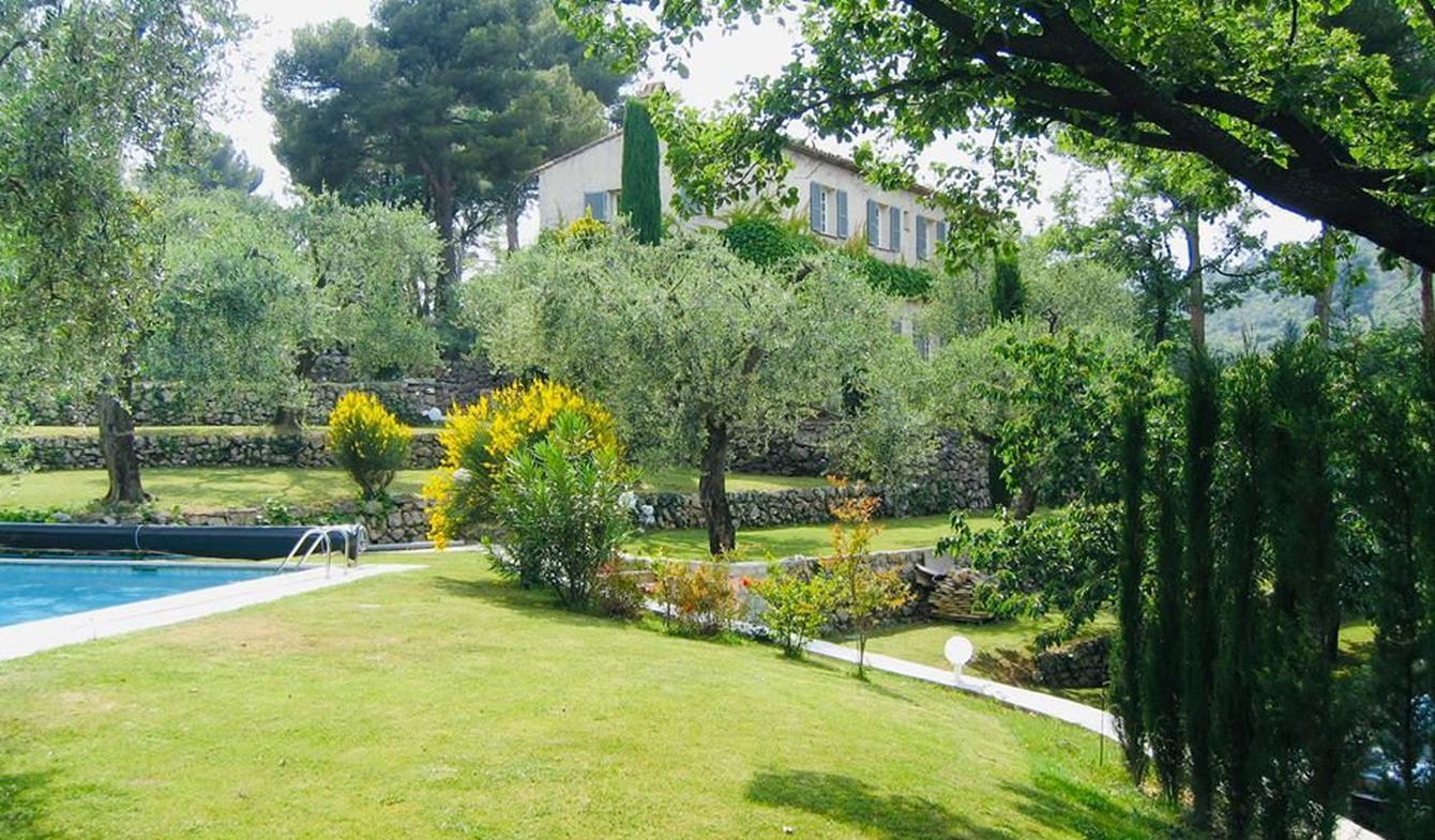 Propriété avec piscine La Roquette-sur-Var