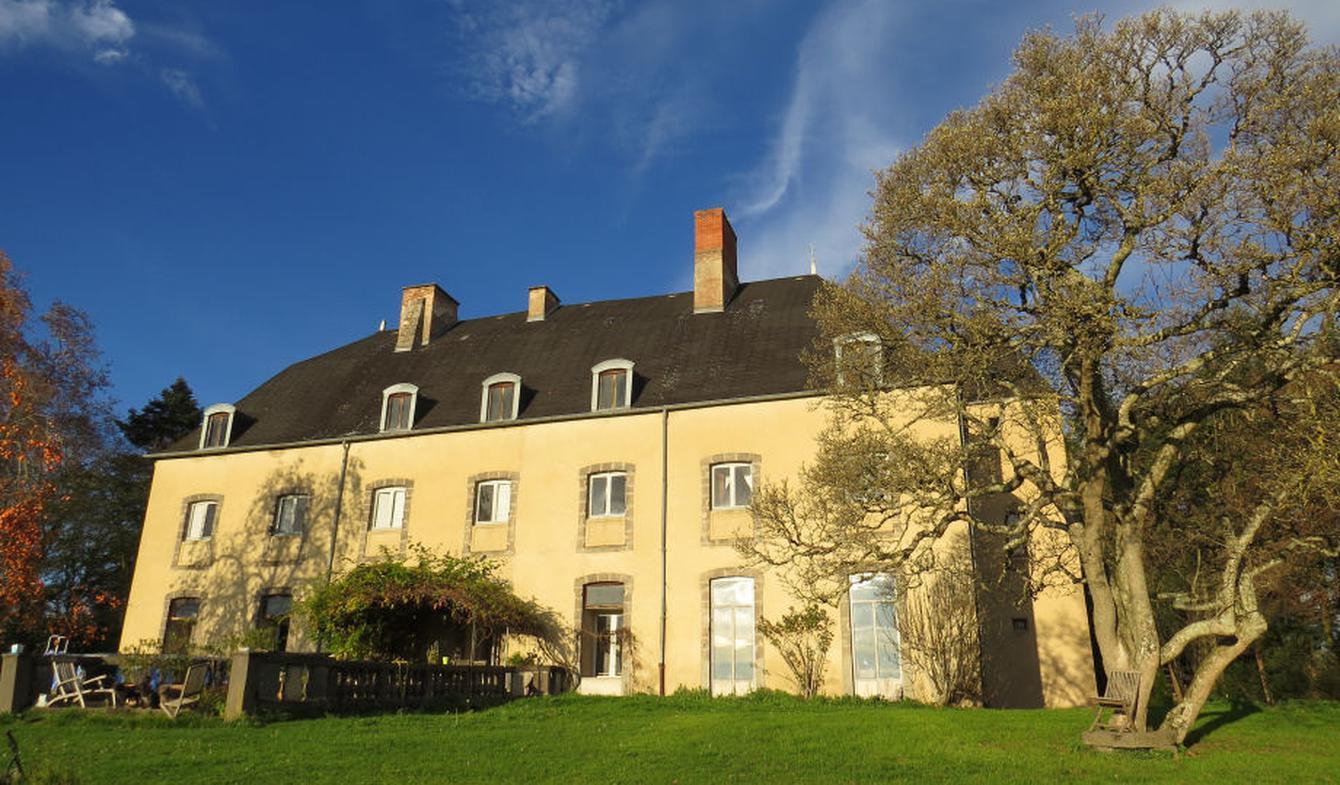 Castle Puy-Guillaume