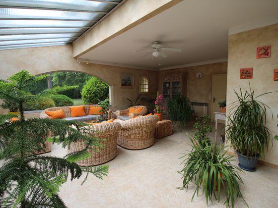 Vente villa 8 pièces 317 m2
