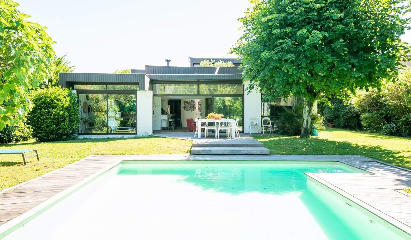 Maison avec piscine et terrasse Eysines