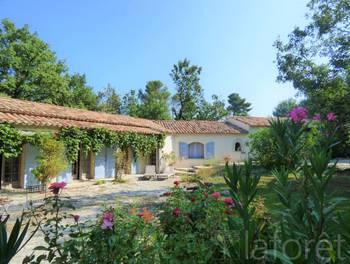 Villa 10 pièces 370 m2