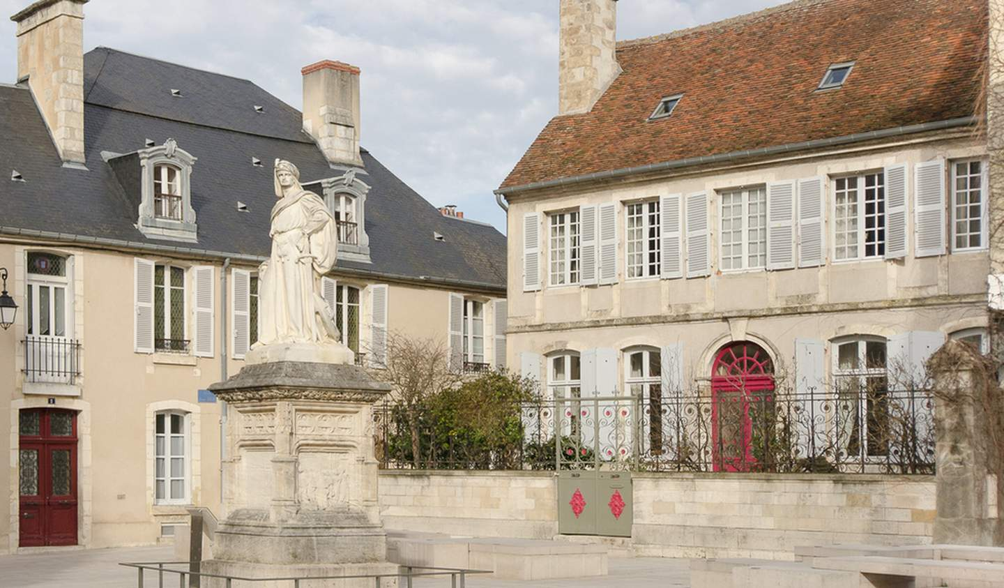 House with garden Bourges