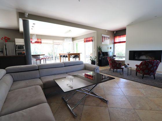 Vente maison 6 pièces 257 m2