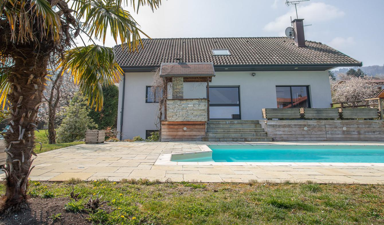 Villa avec piscine Neuvecelle