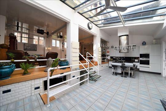 Loft avec terrasse