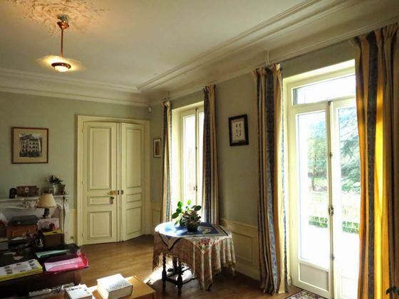 Vente propriété 9 pièces 323 m2