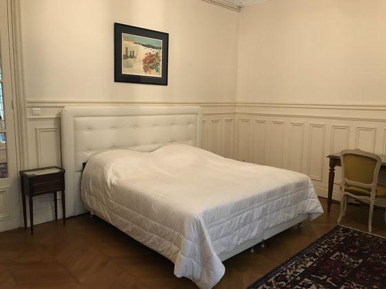 Location appartement meublé 6 pièces 188 m2