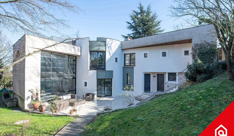 Villa avec terrasse Sevres