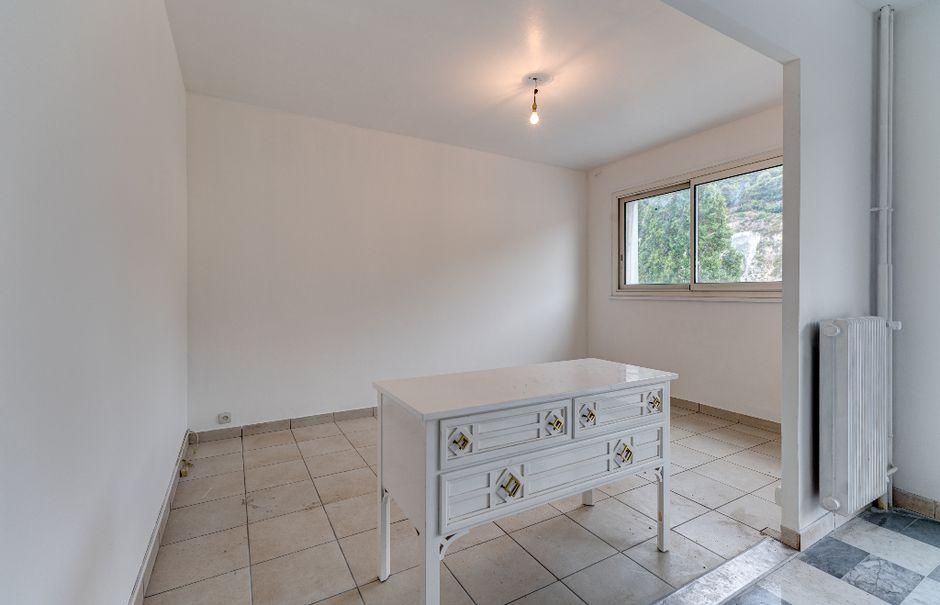 Vente appartement 4 pièces 70 m² à Nice (06300), 175 000 €