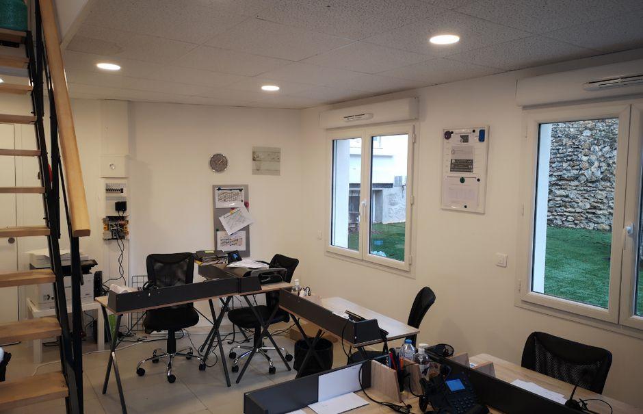 Location  locaux professionnels 2 pièces 30 m² à Enghien-les-Bains (95880), 831 €