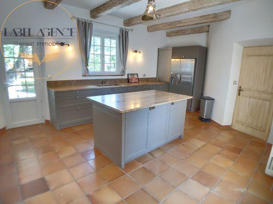 Vente propriété 12 pièces 615 m2
