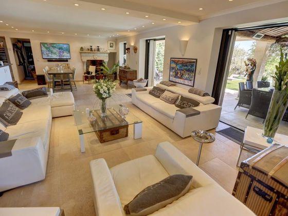 Vente propriété 5 pièces 210 m2