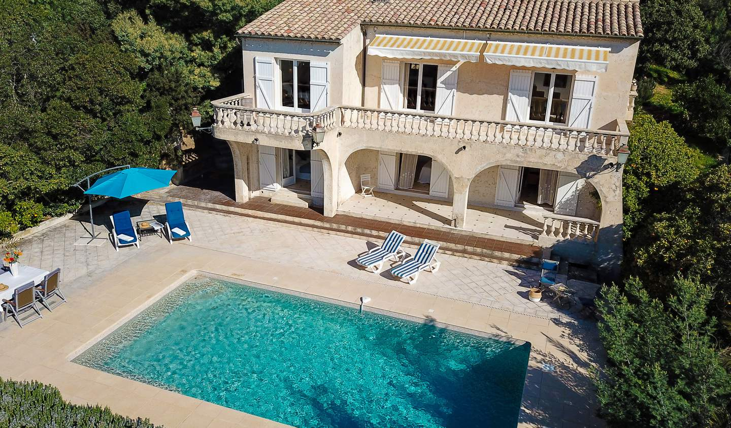 Property with pool Cavaliere