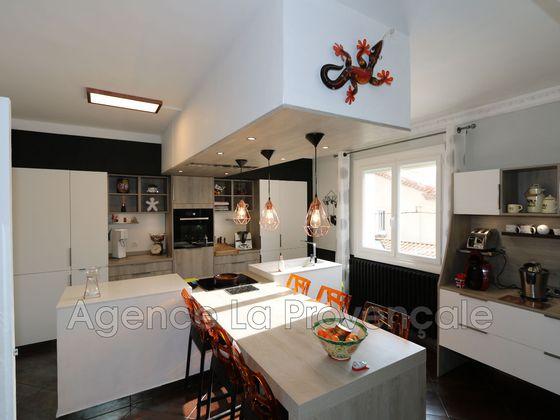 Vente villa 6 pièces 273 m2