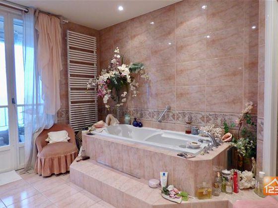 Vente appartement 5 pièces 175 m2
