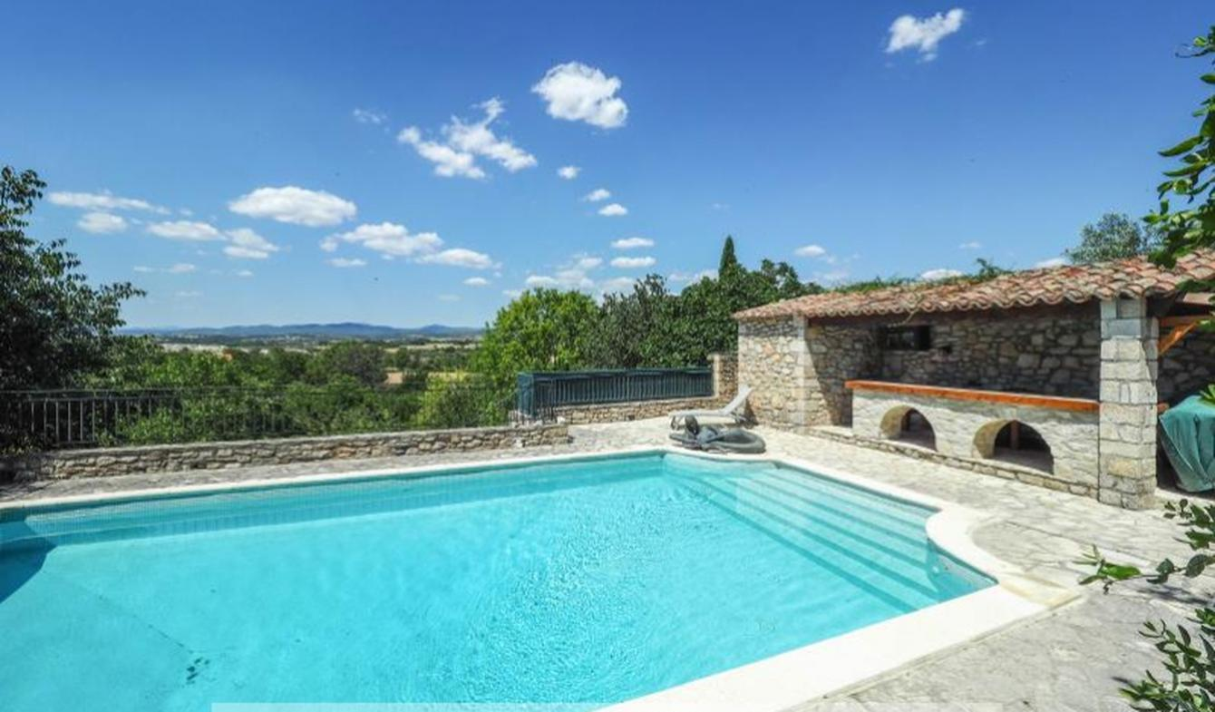 House with pool and terrace Barjac