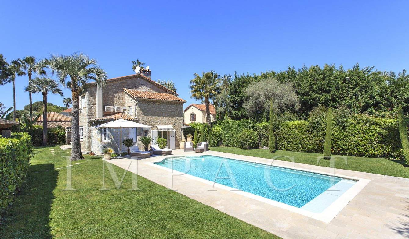 House with pool Antibes